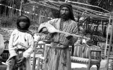 الغجر الذين كانوا يتجولون بمنتزهات دمشق 1926