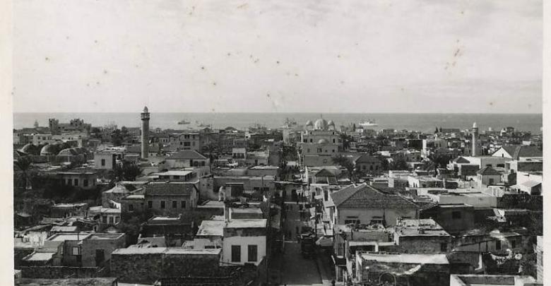 منظرٌ عامٌّ لمدينة اللاذقيَّة عام 1954م