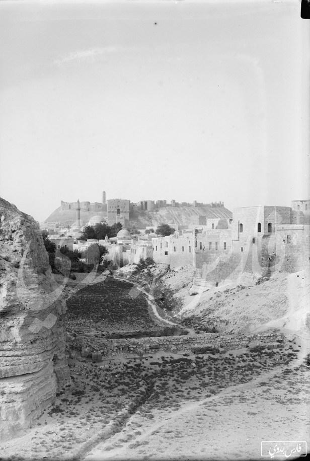 القلعة وجامع الخسروية في حلب مطلع القرن العشرين