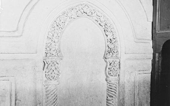 دمشق – المدرسة الشامية .. محراب غرفة الأضرحة بالتربة الحسامية (19)