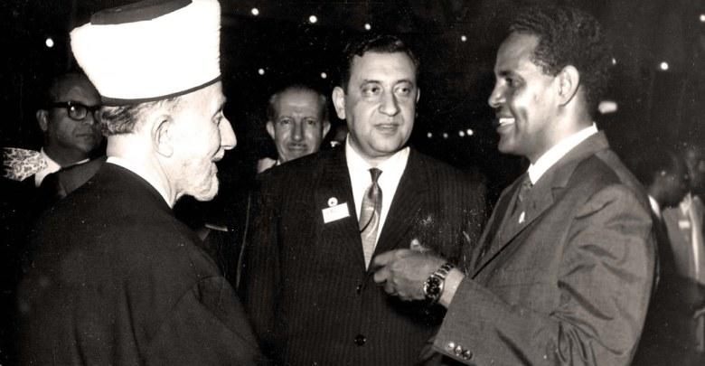 عمر بهاء الدين الأميري مع رئيس وزراء الصومال وأمين الحسيني - 1964