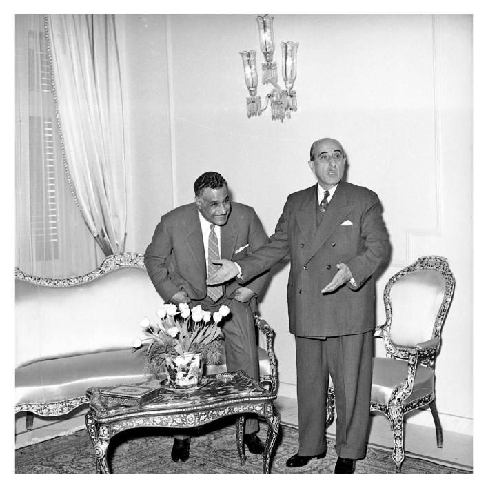 شكري القوتلي يستقبل جمال عبد الناصر في قصر الضيافة بعيد إعلان الوحدة (1)