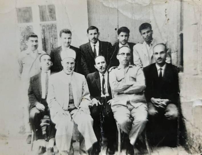 معلمو مدرسة عمر بن الخطاب الإبتدائية بحلب عام 1969