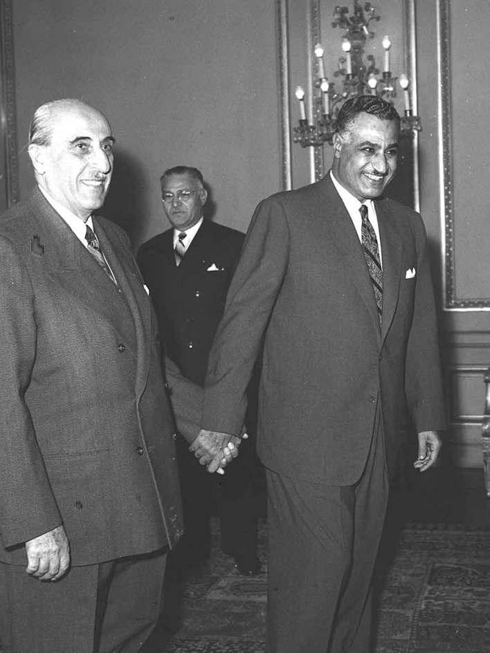 جمال عبد الناصر يستقبل شكري القوتلي بالقاهرة عام 1959