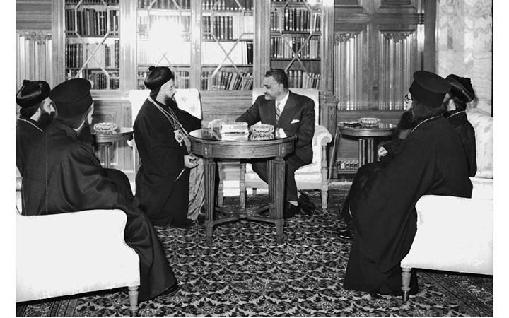 جمال عبد الناصر يستقبل بطريرك السريان الأرثوذكس عام 1959(8)