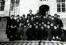 طلاب ومدرسي مدرسة هاشم الأتاسي  في دمشق عام 1953