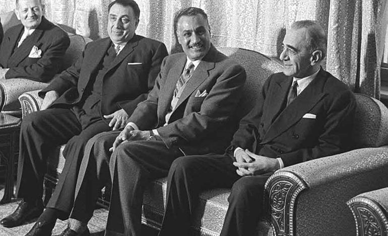 جمال عبد الناصر في جامعة دمشق لوضع حجر الأساس للمدينة الجامعية (7/3)