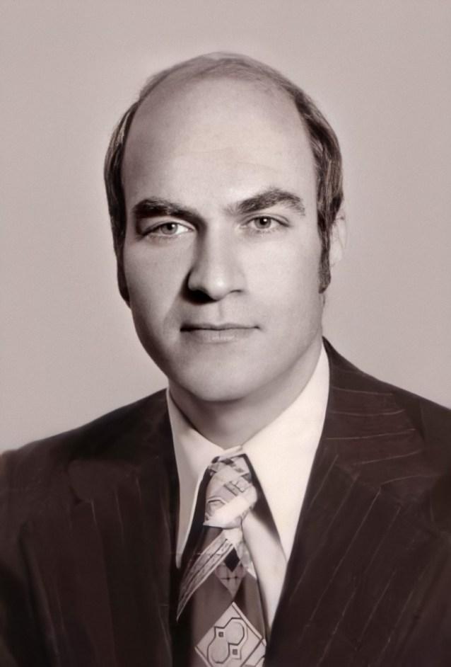 الفنان أحمد مادون في أواخر سبعينيات القرن العشرين