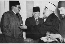 هاشم الأتاسي في المأدبة التي أقامها الشيخ عزيز الخاني عام 1950