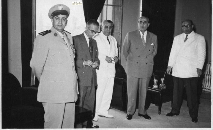 شكري القوتلي في مكتب سعيد السيد محافظ حمص عام 1956