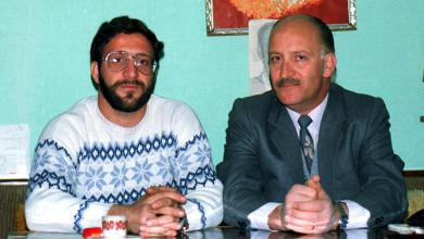 نصر الدين البحرة وابنه عمر في دمشق عام 1984
