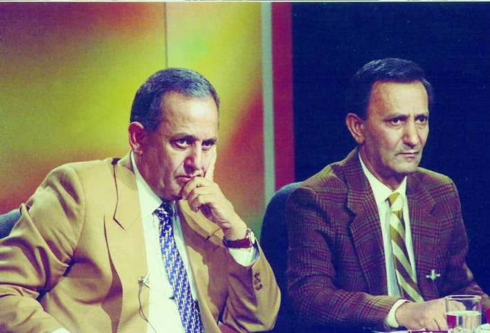 العميد فاروق بوظو وشقيقه عدنان في التلفزيون السوري عام 1989م