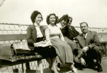 نجاح ساعاتي في مؤتمر المحامين والصيادلة في حمص عام 1956