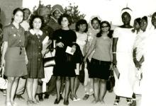 نجاح ساعاتي أثناء مشاركتها في مؤتمر محو الأمية في الجزائر عام 1974