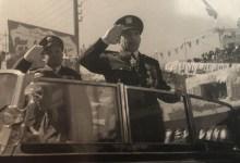أديب الشيشكلي وجمال الفيصل في العرض العسكري بمناسبة شراء أول صفقة أسلحة (3)