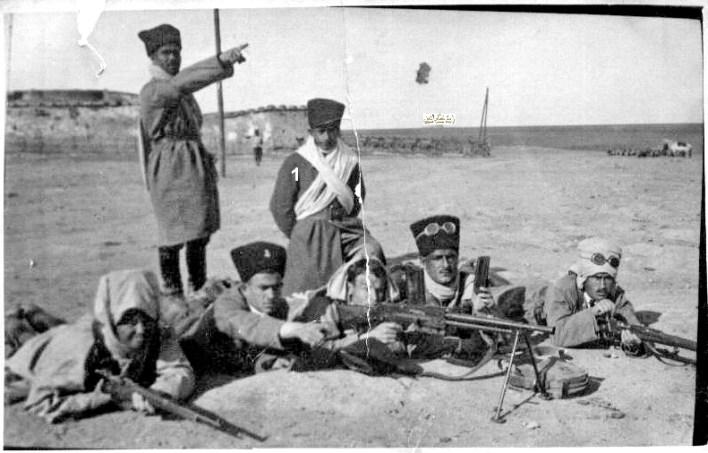 توفيق نظام الدينفي مخيم تدريب الكلية الحربية في النبك 1934 (1)