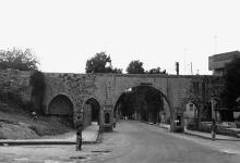 سبيلا شارع أبي الفداء في حماة عام 1977