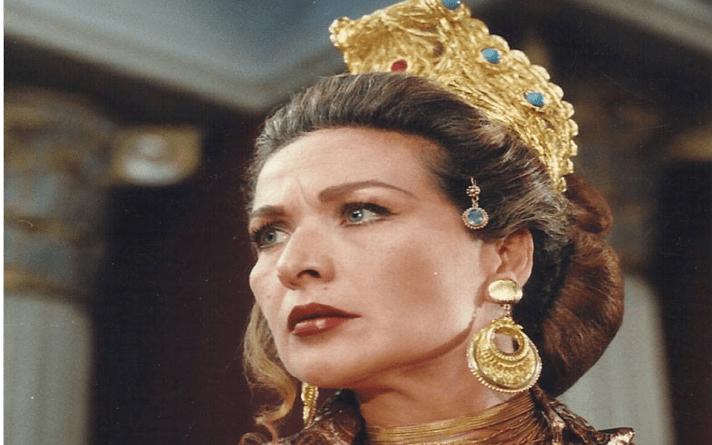 الفنانة رغدة .. زنوبيا ملكة تدمر في مسلسل العبابيد عام 1995