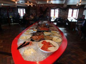 Fischbuffet in Gudhjems Roegeri