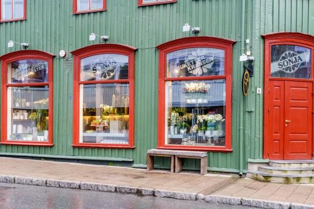 Einses der vielen Holzhäuser in Tromsoe