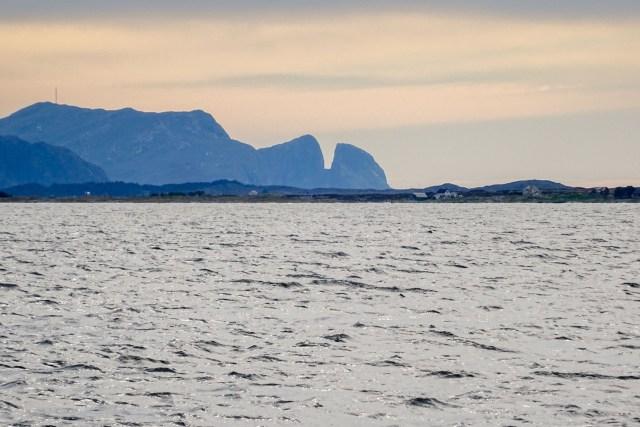 Insel Kinn in der Abenddämmerung