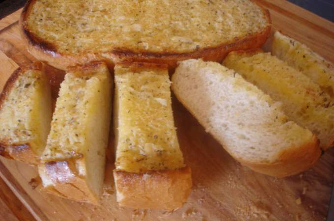 garlic bread, apple dapple 004