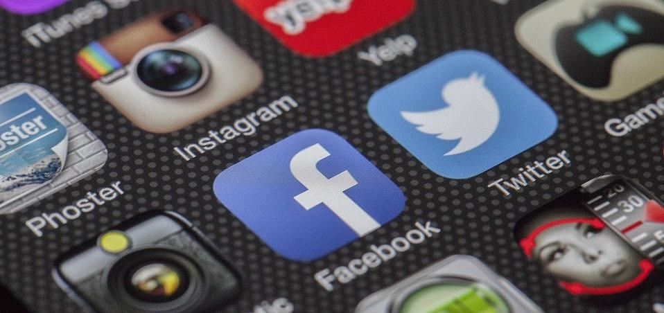 Come pubblicare contenuti e scrivere un post su un gruppo Facebook