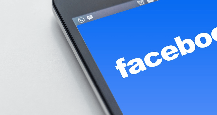 Come risparmiare Giga quando si naviga su Facebook dal telefonino