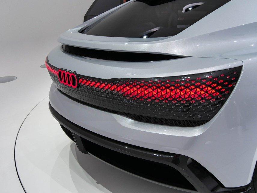 Come funziona la ricarica intelligente dell'Audi E-Tron