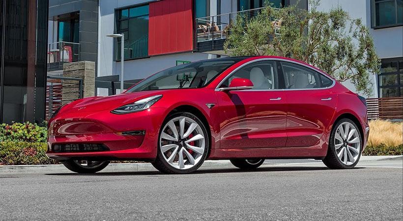 Tesla Model 3 Autopilot in Italia, diamo un'occhiata