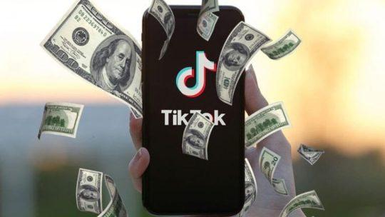Calcola quanto dovresti guadagnare nel 2021 con i video su TikTok
