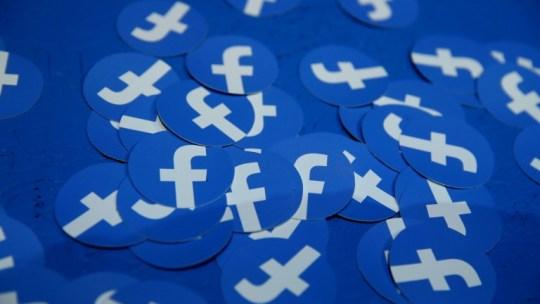Creare un'inserzione carosello con il creator studio di Facebook