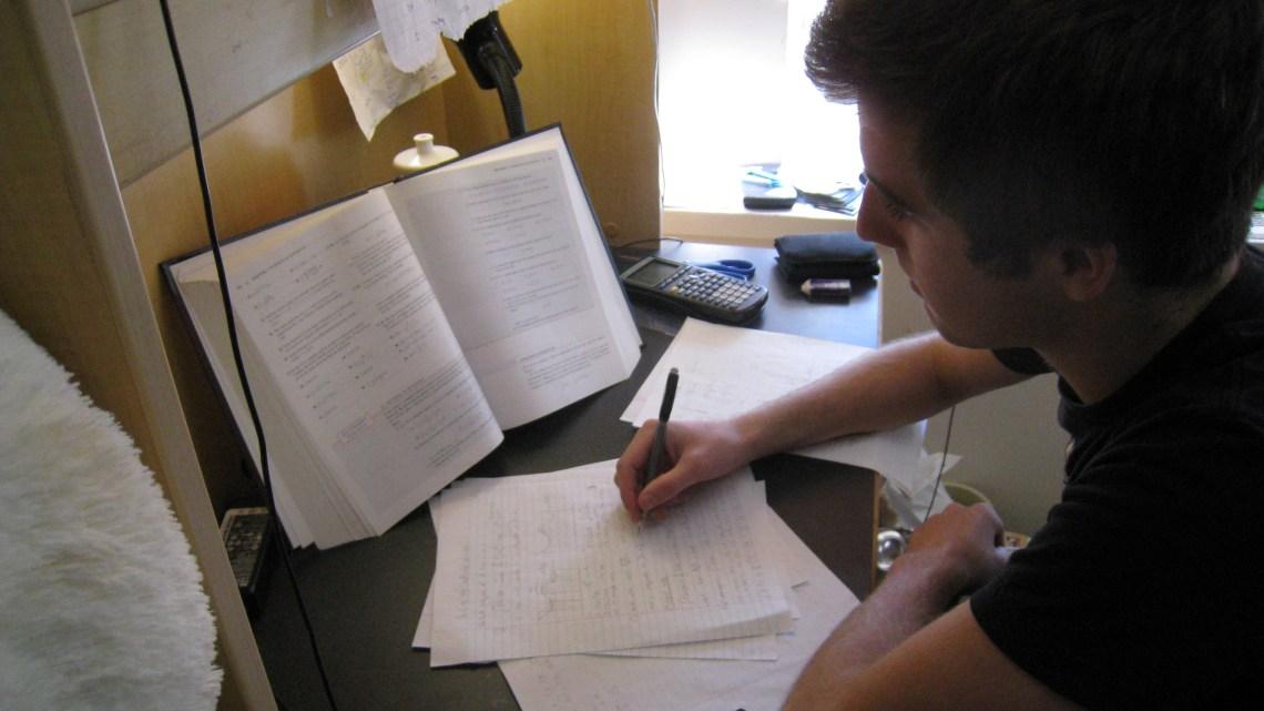 Come prepararsi a sostenere un esame universitario online