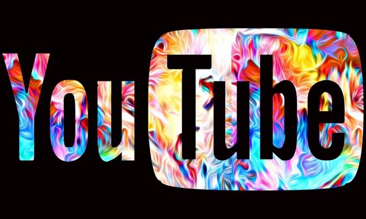 Como denunciar conteúdo impróprio no YouTube