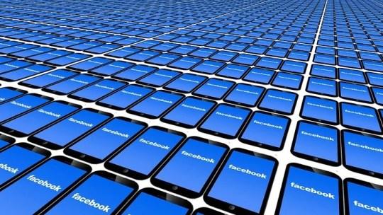Signaler une Page Facebook arborant un badge de vérification bleu ou gris contrefait
