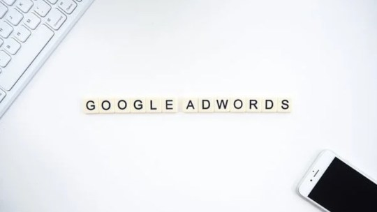 Comment ajouter des mots-clés à une campagne sur Google Ads