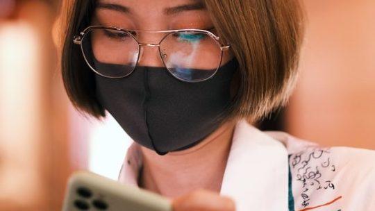 Cómo usar Face ID para desbloquear tu iPhone utilizando una mascarilla