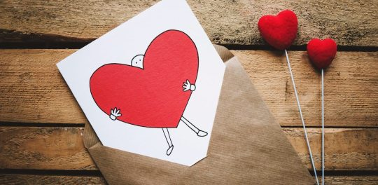 How to Write a Love Message to a Girl on Social Media