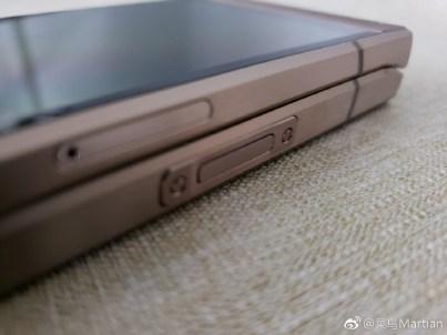 6 - تسريب صور واقعية لهاتف سامسونج الصدفي الجديد Samsung W2019 تكشف مواصفاته