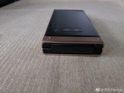 9 - تسريب صور واقعية لهاتف سامسونج الصدفي الجديد Samsung W2019 تكشف مواصفاته
