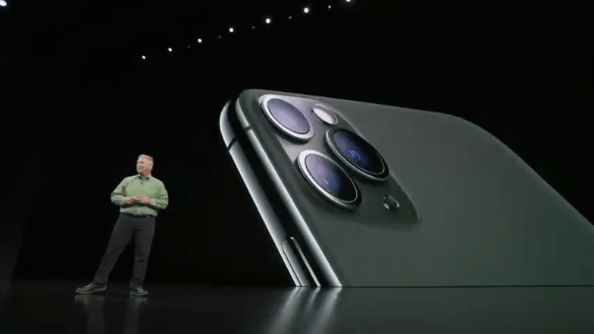 Screenshot 2019 09 10 Apple Special Event — September 10 2019 YouTube5 - آبل تكشف رسمياً عن آيفون 11 برو iPhone 11 Pro وآيفون برو ماكس iPhone 11 Pro max