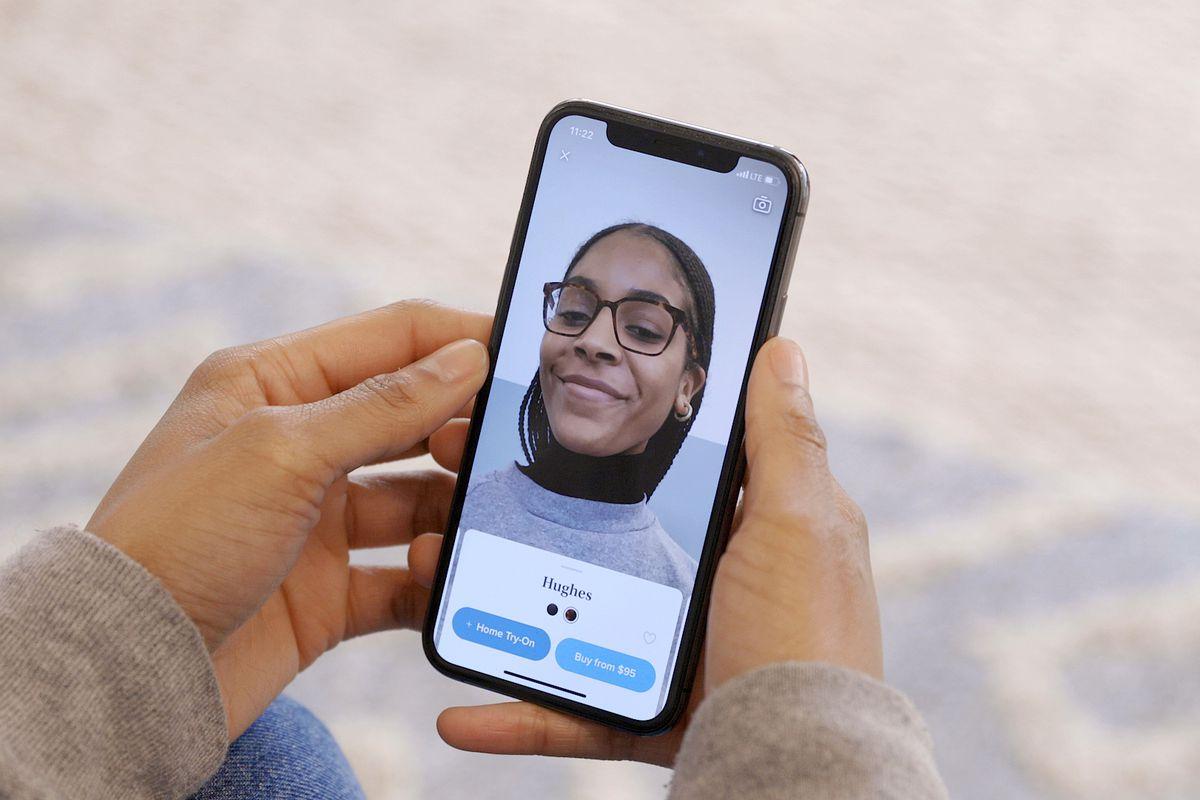 VTO STILL 6.0 - تطبيق Warby Parker لتجربة النظارات الطبية والشمسية قبل شرائها