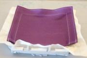 Lommen trykkes på plass mot stabiliseringens klisterside
