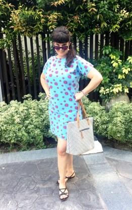 Jerseykjolen fikk lov til å være med på ferie - en deilig kjole med glade farger som passer perfekt