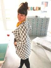 Med innsnitt i ryggen så får kjolen en myk og kvinnelig fasong