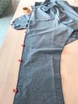Legg forstykket og bakstykket rette mot rette, inklusive belegget og lommeposen - sy sammen