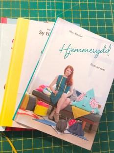 Mari'sbøker er fargesprakende og retro som toucher 50-talls stilen - sååå kult!