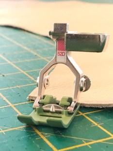 Det finnes forskjellige varianter av non stick-føtter. Denne er for innebygget overtransport