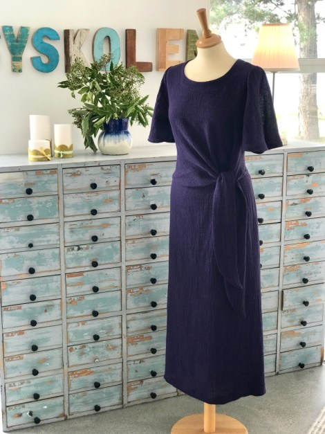Her er min første kjole i mønsteret K2227 med trompetermer