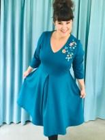 Kjolen er ferdig og jeg er virkelig overrasket og fornøyd - kanskje blir det ikke siste gang jeg broderer på jersey...